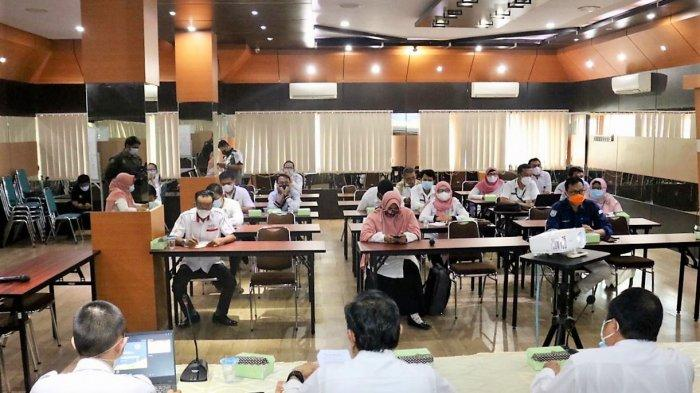 Tim SPBE Kabupaten Banjar menggelar rapat evaluasi yang dipimpin Kepala Dinas Komunikasi Informatika Statistik dan Persandian (DKISP) Kabupaten  Banjar, HM Aidil Basith di Aula Baiman.