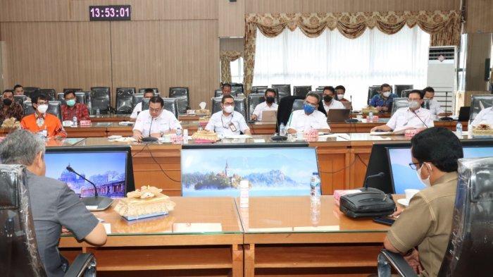 Bahas Kinerja Terkini, DPRD Provinsi Kalsel Gelar Raker Bersama Bank Kalsel