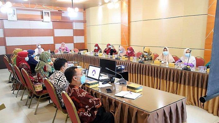 Rapat koordinasi rencana Rembuk Stunting di Aula Bauntung Bappedalitbang Kabupaten Banjar, Kamis (10/6/2021).