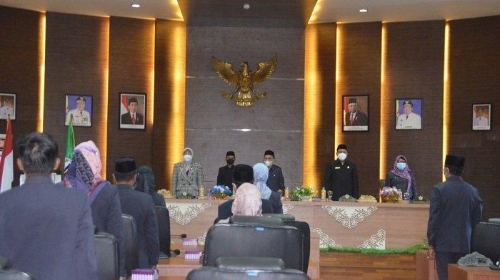 Rapat Paripurna DPRD ke-5 asa sidang I tahun sidang 2021-2022, Senin (13/9/2021).
