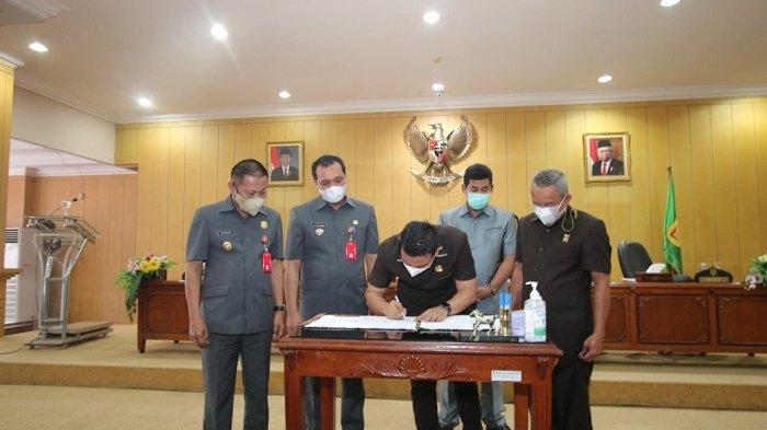 Rapat paripurna Propemperda perubahan kota Banjarbaru tahun 2021 di DPRD Banjarbaru, Senin (15/3/2021).