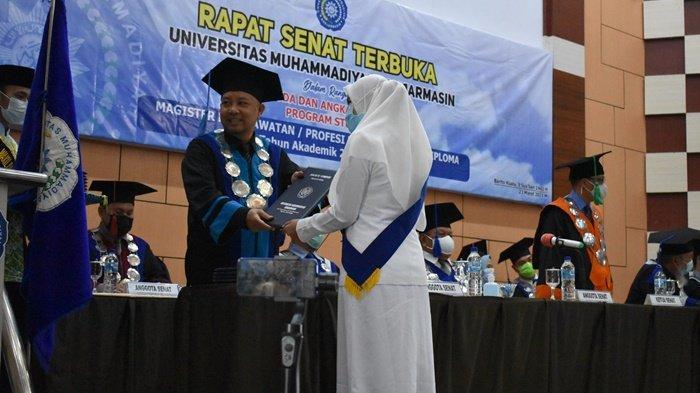 Gelar Wisuda dan Angkat Sumpah Profesi, UMB Luluskan 158 Mahasiswa Terbaik