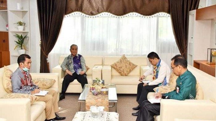 Status HSS Tanggap Darurat Covid-19, Bupati Achmad Fikry Pimpin Rapat Terbatas