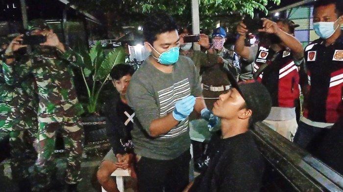 Masih Sodok Bola, Pengunjung Biliar di Kabupaten Tabalong Jalani Rapid Antigen