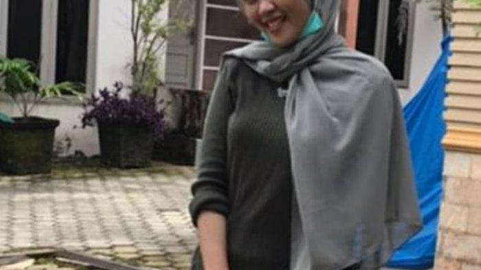 Lepas Rindu, Ratna Lida 2021 Tiap Hari Video Call Orangtua di Kotabaru