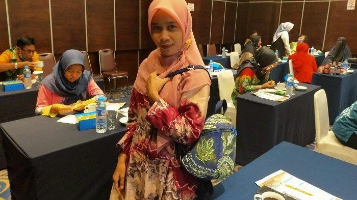 Warga Malaysia Tertarik Tas Sasirangan, Pengrajin Terbentur Biaya Pengiriman Mahal