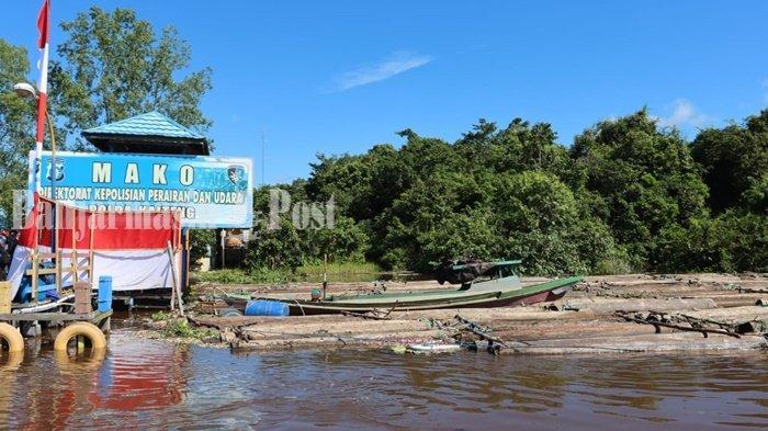 Ratusan log yang diduga kuat hasil pembalakan liar, diamankan Polairud Polda Kalimantan Tengah (Kalteng) di Sungai Mentaya, Kabupaten Kotawaringin Timur (Kotim), Sabtu (26/6/2021).