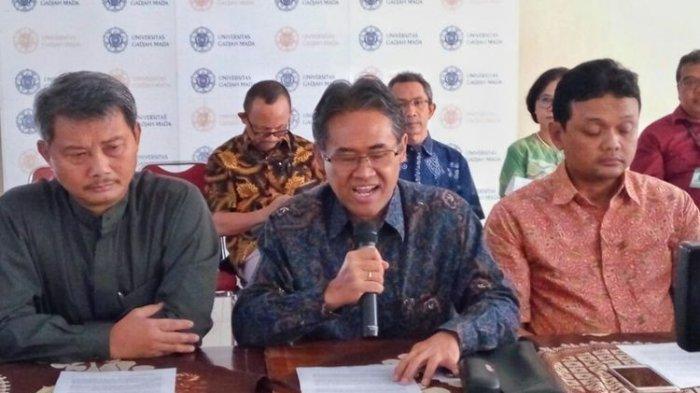 Bantah Mencopot Gelar Profesor, Begini Penjelasan UGM soal Hilangnya Jabatan Guru Besar Amien Rais