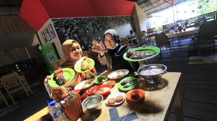 Dapoer Everywhere - Bocoran Resep Legend 70 Tahun dari Rumah Makan Cendrawasih Banjarmasin