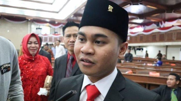 Jadi Legislator Termuda, Mahasiswa Unibraw Ini Resmi Dilantik Sebagai Anggota DPRD Kaltim