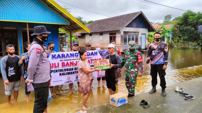Banjir di Kalteng, Donasi warga Karang Indah Batola sampai di Katingan