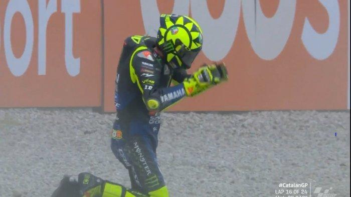 Rossi Crash di MotoGP Catalunya 2020 Minggu (27/9/2020)