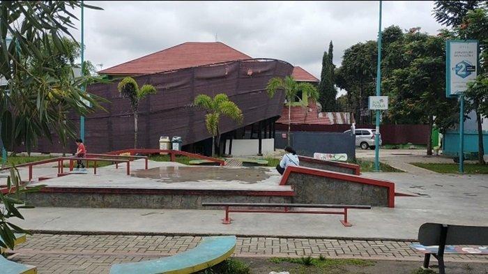 RTH Taman Pintar Kota Banjarbaru dilengkapi dengan arena skateboard