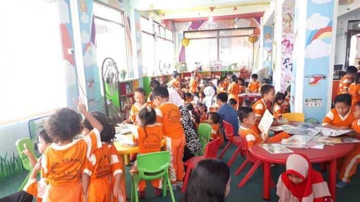 Kalau Ada Perpustakaan di Indonesia Pagi-Pagi Pengunjung Sudah Banyak, Kadis Ini Ingin Belajar