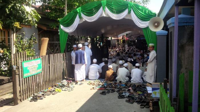 Guru Zuhdi Hadiri Peletakan Baru Pertama Rumah Tahfizh Al Quran Al Harmain Banjarmasin