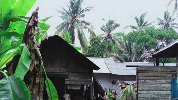 Angin Kencang di Kotabaru Kalsel Tumbangkan Pohon Kelapa, Satu Rumah Rusak Tertimpa