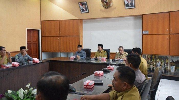 Jemaah Haji Kapuas Kalteng Tiba Awal September, Wabup Nafiah Ibnor Pimpin Rapat Teknis Pemulangan