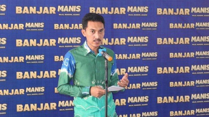 Bupati Banjar Saidi Mansyur beri sambutan dan apresiasi terhadap program inovasi layanan dokumen sekaligus bagi pengantin baru bernama Pakulih Anam, Kamis (20/5/2021).