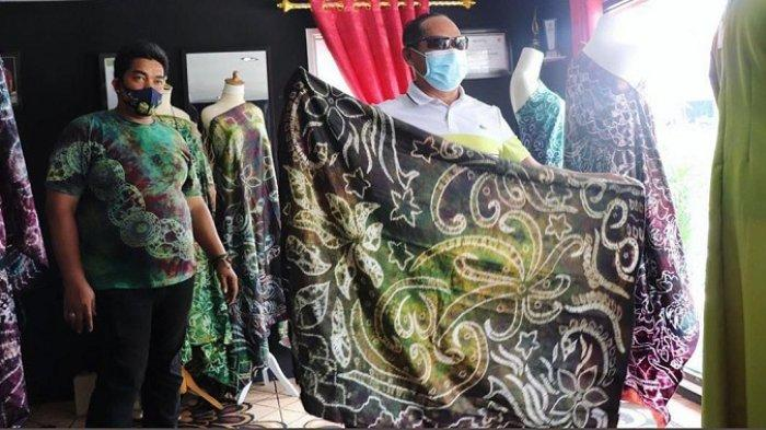 Baca Peluang Pasar, Pengrajin di Banjarmasin Produksi Motif Sasirangan Limited