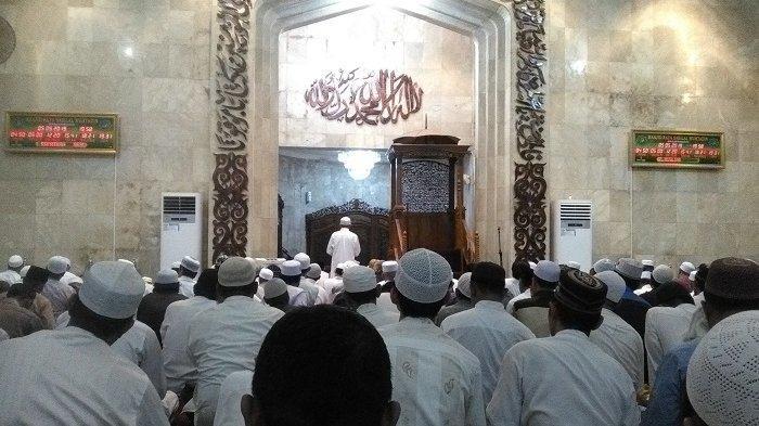 Tata Cara & Niat Shalat Tarawih Lengkap dengan Doa Kamilin di Rumah Selama Ramadhan 2020