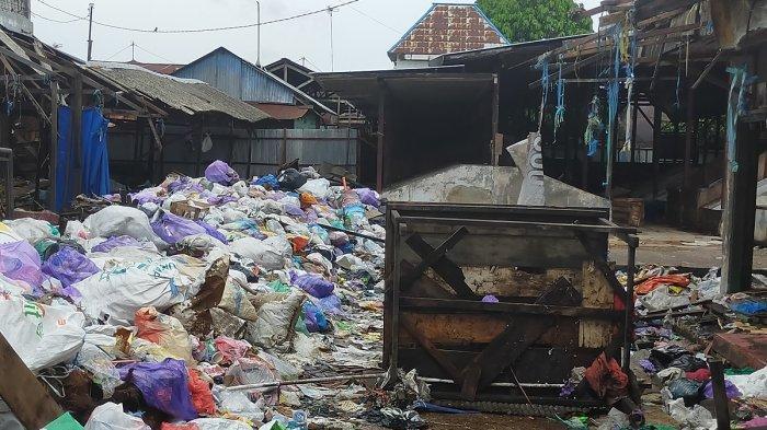 Ketua DPRD Banjarbaru Minta Soal Sampah di Pasar Bauntung Lama Diselesaikan