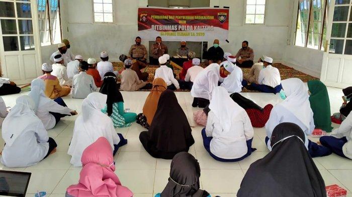 Ditbinmas Polda Kalteng dan Polres Kapuas Beri Penyuluhan Paham Radikal di Ponpes Ar Rosyid Kapuas