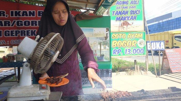 Sate Unta Kini Ada di Banjarbaru, Dagingnya Berserat dan Maknyus Lho