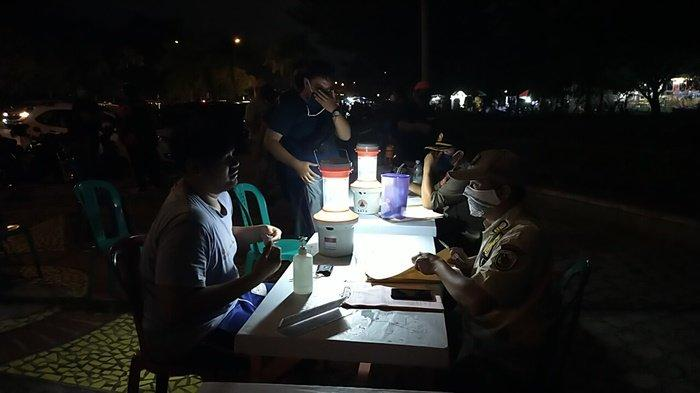 Tim Satgas Covid-19 PPKM Pahandut Palangkaraya Sosialisasi Prokes di Kafe dan Warnet