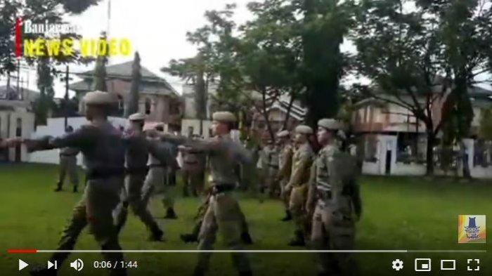 Satpol PP dan Damkar Kabupaten Tapin Awasi Reklame Perbankan Tak Berizin di Kota Rantau