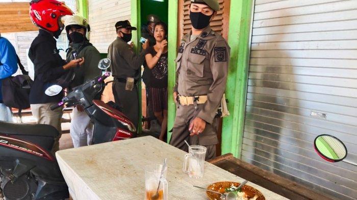Melihat Kedatangan Petugas, Pelanggan Warung Sakadup di Banjarmasin Kabur