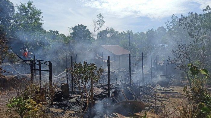 Kebakaran Kalsel, Api Berkobar di Desa Tungkap Balangan, Pemilik Tak Sempat Selamatkan Harta Benda