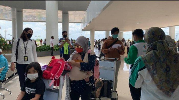 Hingga Jelang Penerapan Larangan Mudik,Penumpang di Bandara Syamsudin Noor Capai 4.500 Perhari
