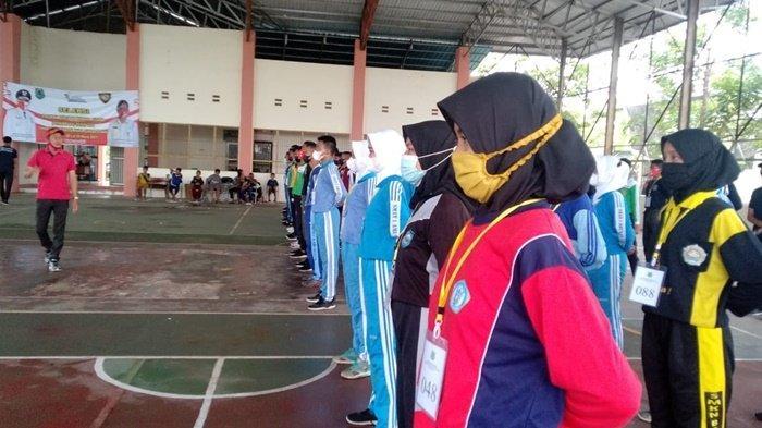 Sebanyak 128 pelajar SMA menjalani seleksi untuk menjadi anggota Pasukan Pengibar Bendera (Paskibra) yang akan bertugas pada HUT Republik Indonesia pada 17 Agustus 2021.