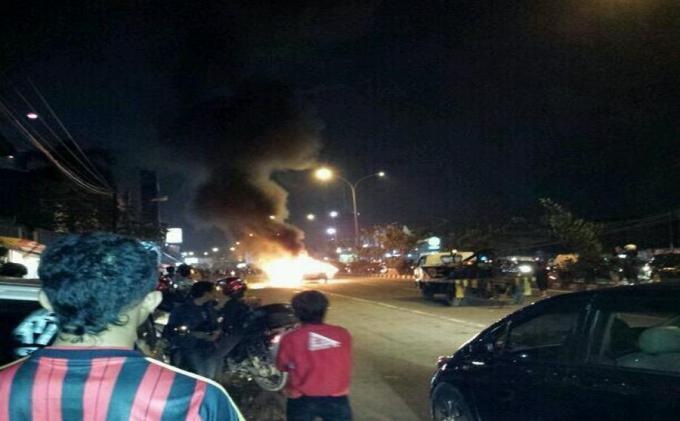 Satu Unit Mobil Tronton Angkut Batu Bara Terbakar di Jalan Houling Tapin