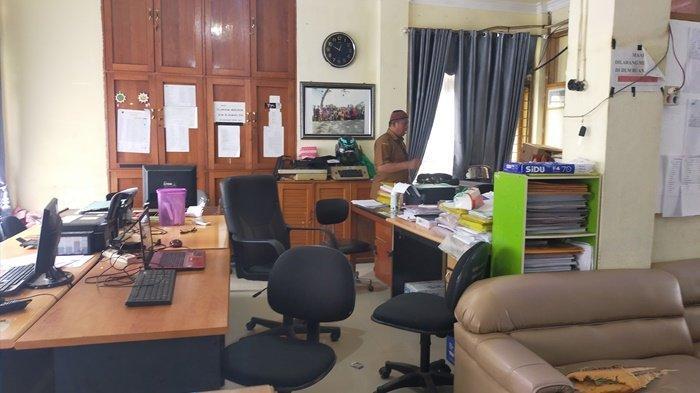 OTT KPK di HSU, Ruang Dinas PUPRP Disegel KPK Sudah Dibuka, ASN Beraktifitas Seperti Biasa
