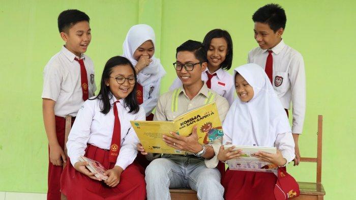 Semai Benih Literasi Melalui Adaro Cinta Baca