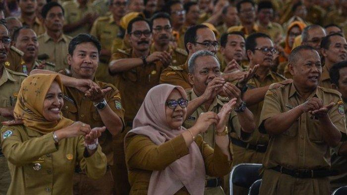INGAT! PNS, Pegawai BUMN, TNI dan Polri Dilarang ke Luar Kota Selama Long Weekend, Ini Alasannya