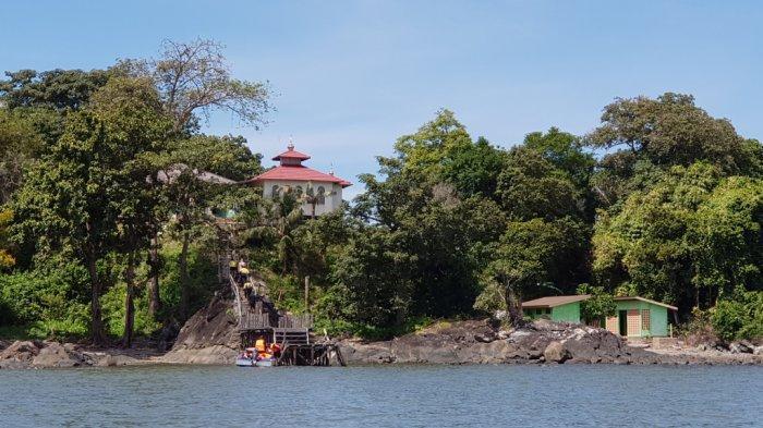 Wisata Kalsel, Pulau Datu Merupakan Tempat Makam Ulama Besar Sekaligus Pengusir Penjajah