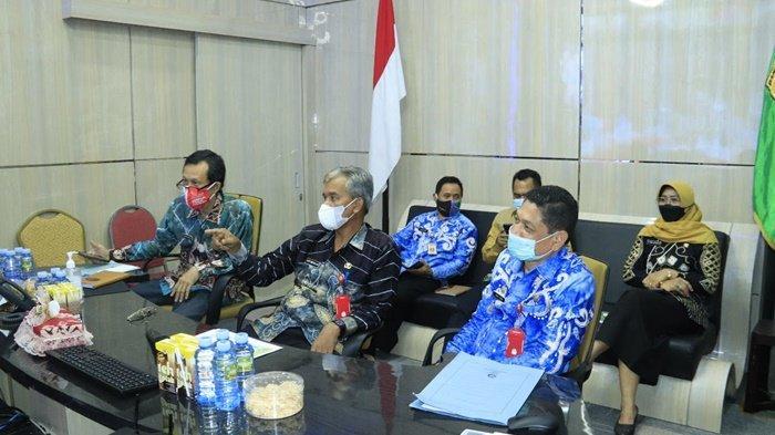 Sekda Banjarbaru Rapat Koordinasi Kepala Daerah Tahun 2021 Melalui Video Conference
