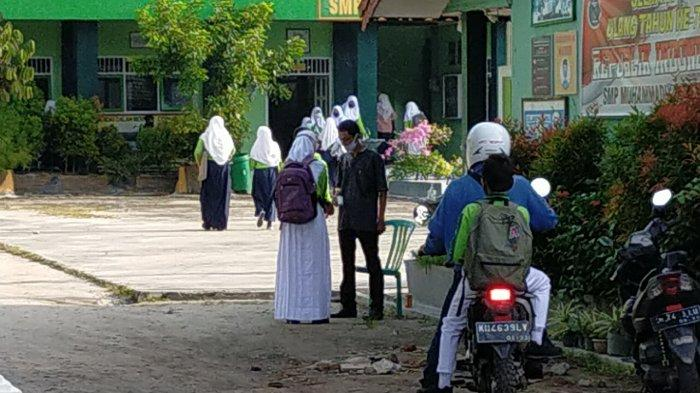 Sejumlah Sekolah di Sampit Mulai Belajar Tatap Muka Dengan Protokol Kesehatan Ketat