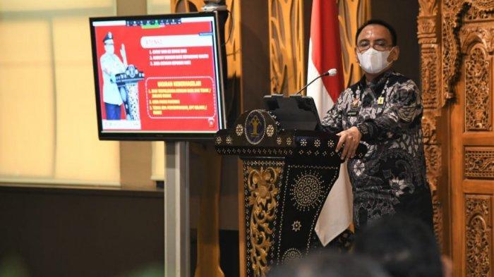 Sekretaris Jendral (Sekjen) Kemenkumham Komjen Pol Andap Budhi revianto saat menginformasikan pembukaan pendaftaran CPNS Kemenkumham