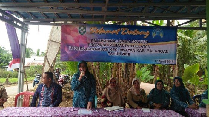 Tim Pembina Lomba P2WKSS Provinsi Datangi Desa Baramban di Balangan, Ini Harapan Hj Nursidah