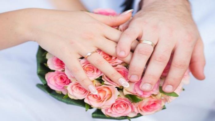 Fakta-fakta Aisha Wedding Organizer Jadi Viral, Tawarkan Nikah Muda, Siri dan Poligami