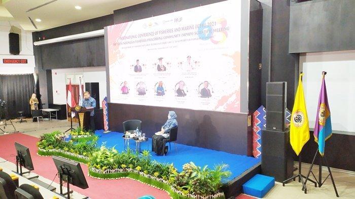 Pembukaan seminar internasional yang diselenggarakan Fakultas Perikanan dan Kelautan Universitas Lambung Mangkurat (FPK ULM) di Kota Banjarmasin, Provinsi Kalimantan Selatan (Kalsel), dilaksanakan secara virtual melalui zoom meeting, Senin (20/9/2021).