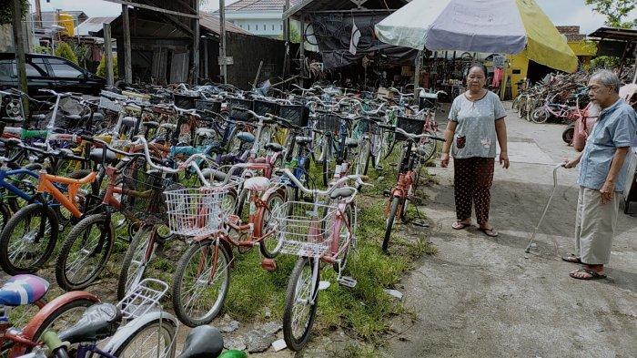 Kisah Sukses Pengumpul Barang Rongsokan di Sampit, Sepeda Bekas Dagangan Ode Makin Laris