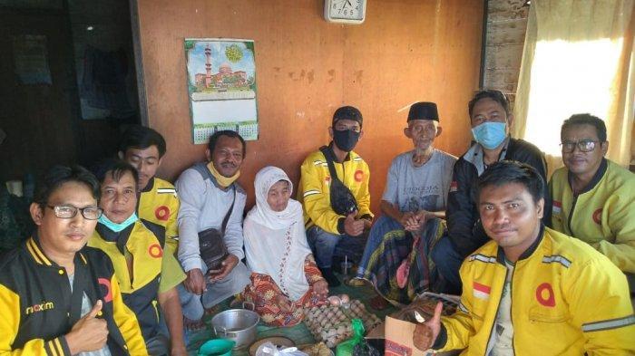Driver Maxim Banjarbaru Galang Dana, Bantuan Diberikan untuk Warga Kurang Mampu