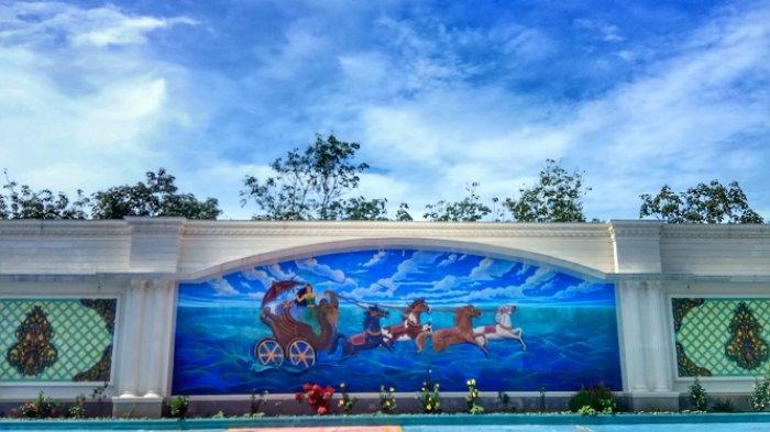 Terkesan Mewah, Lukisan Raksasa Ratu Pantai Selatan Terpampang Dimana-mana