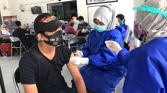 Lanal Kotabaru Gelar Vaksinasi Covid-19 Tahap II, Sasaran ABK Hingga Masyarakat Pesisir