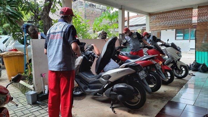 Sering di rumah saat pandemi, sebaiknya rutin rawat motor Yamaha Anda.