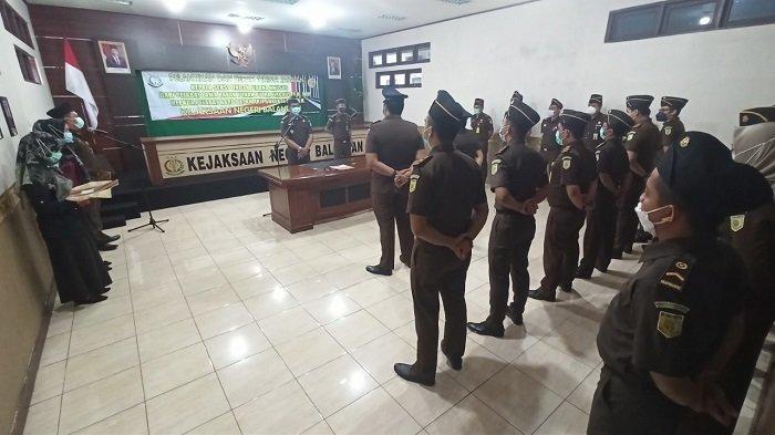 Sertijab Kasi Pidsus Kejari Balangan, Penanganan Kasus Dana Desa Dilanjutkan Pejabat Baru
